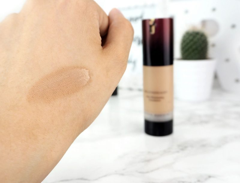Kevyn Aucoin The Etherealist Foundation Swatch