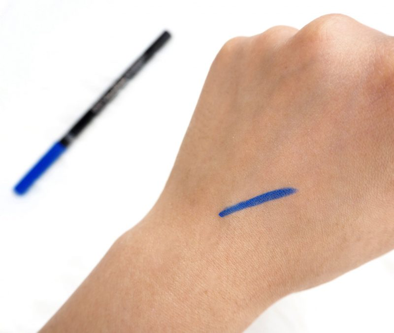 l'oreal infallible gel crayon eyeliner in the blue swatch