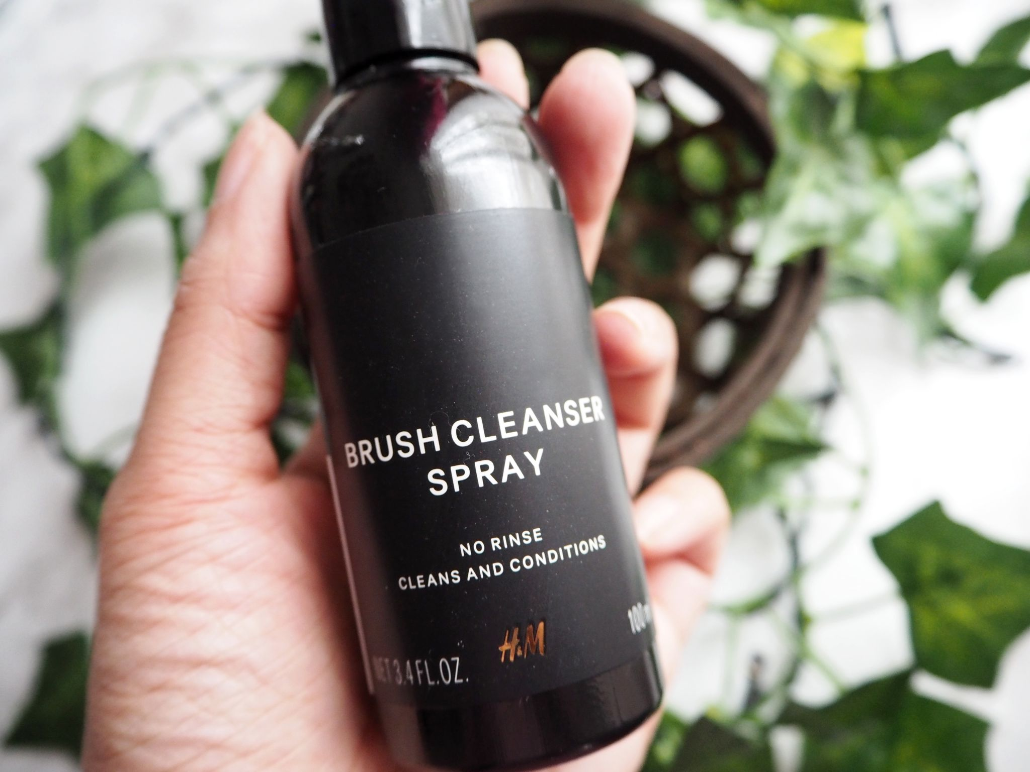 H&M Make up brush cleaner Review