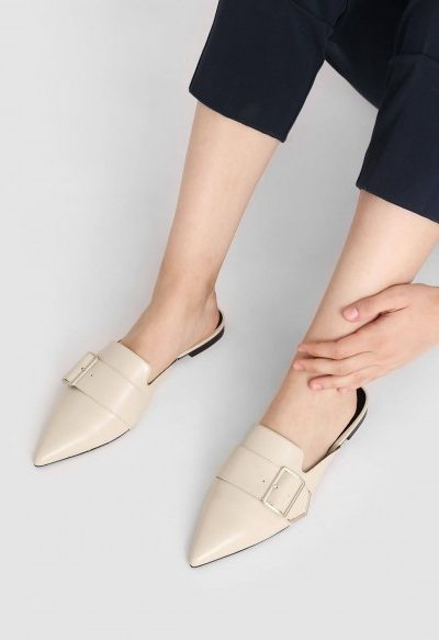 METALLIC DETAIL POINTED MULES